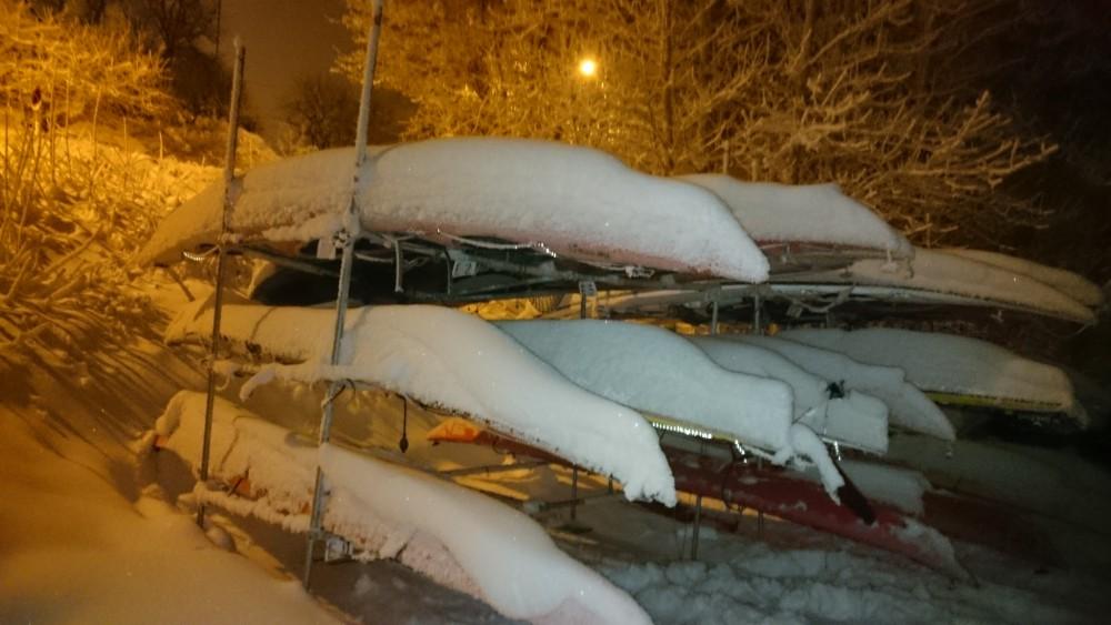Husk å måke snø av kajakken din